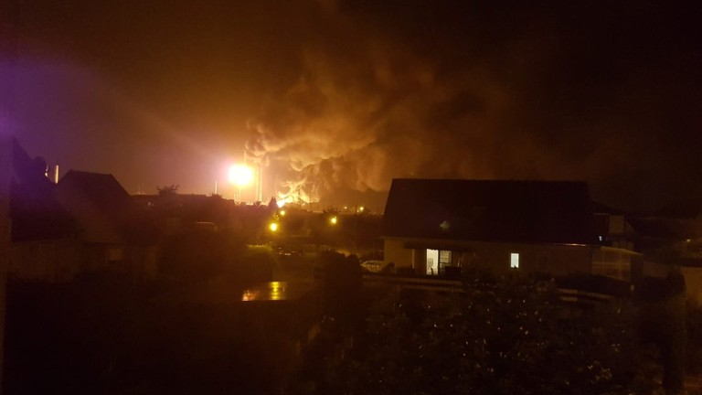 Тежко ранени след експлозия в рафинерия в Германия