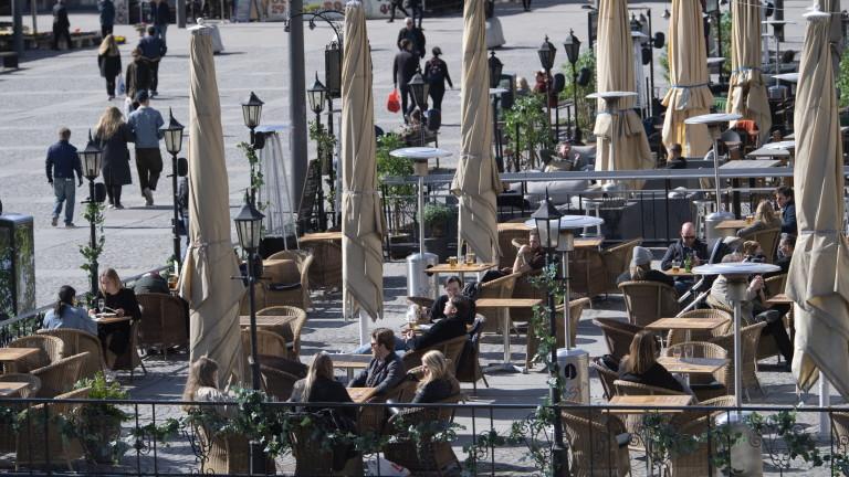 Въпреки меките ограничения: Швеция ще пострада икономически колкото съседите си