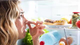 Как да се отървем от лошите миризми в хладилника и микровълновата