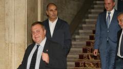 Каракачанов и ВМРО нямат претенции за министерски постове