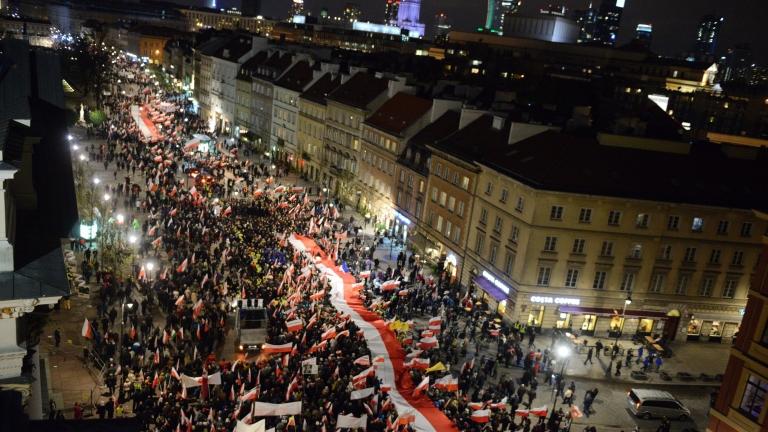 Полша и Русия: Разделени от Катин, Смоленск и Пйененжно