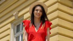 Секси бременното коремче на Луиза Григорова-Макариев