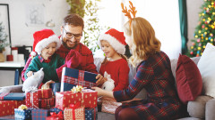 Колко подаръка да сложим под елхата за Коледа