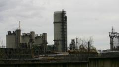 Започва извозването на серовъглерода от завода във Враца