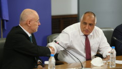 Борисов не е щастлив, че с Радев не споделят ръченица за влизането ERM II