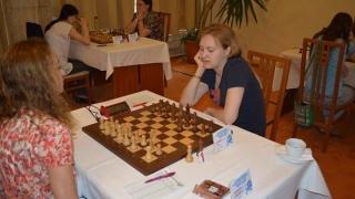 Стефанова с победа в предпоследния кръг
