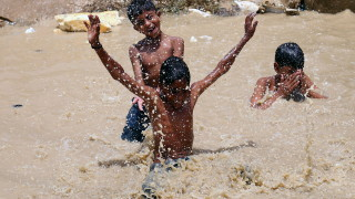 Гореща вълна в Пакистан причини смъртта на 65 души