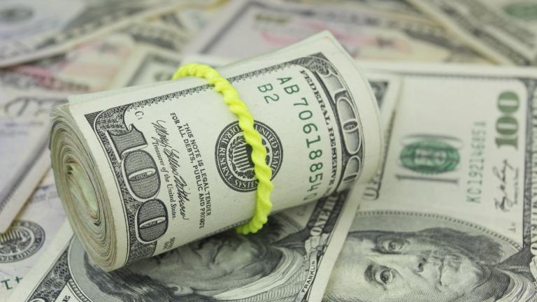 Доларът поскъпва, златото поевтинява