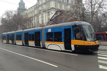 """Жестоки глоби за фирмата-изпълнител на трамвайната линия по бул. """"България"""""""