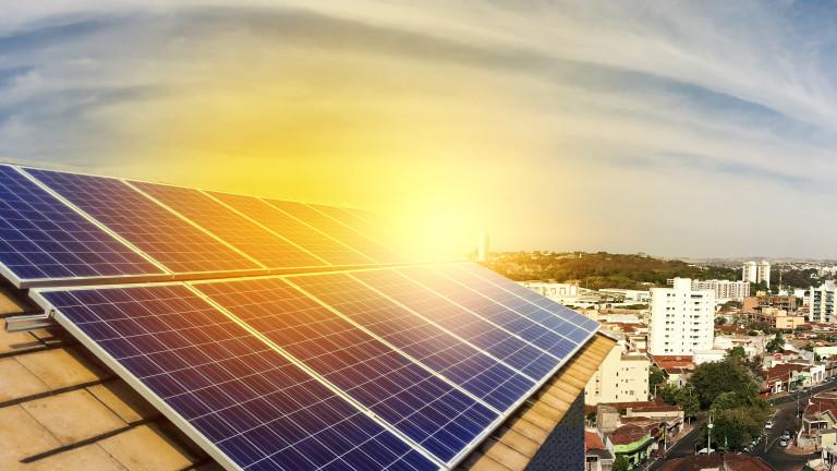 Световното производство на електроенергия от възобновяеми източници се увеличава по-бързо