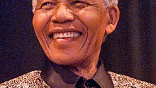 Първият чернокож президент на ЮАР поздрави Обама