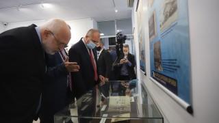 Президентът на посещение в архивите: Без памет няма бъдеще