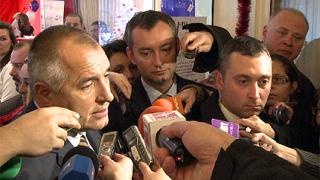 Борисов отзовава посланиците - агенти на ДС?