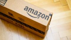 Акциите на Amazon са на крачка от историческите $1000