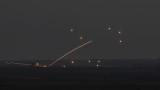 Видео показва ПВО на Сирия да отразява ракетна атака