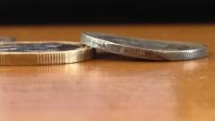 Предупреждават за фалшиви монети от 1 лев