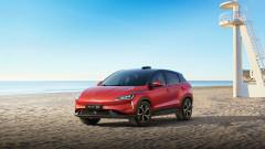 Китайски конкурент на Tesla започва първите доставки в Европа