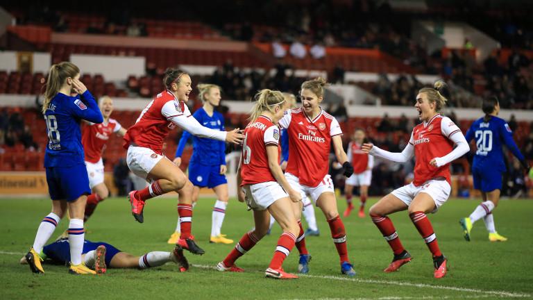 Дамското футболно първенство на Англия беше прекратено