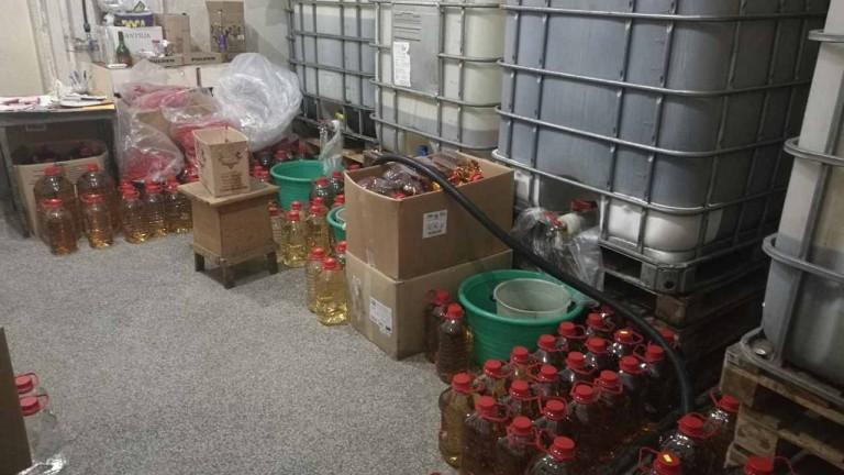 За 5 дни митничари иззеха 30 т вино и над 6 т спирт