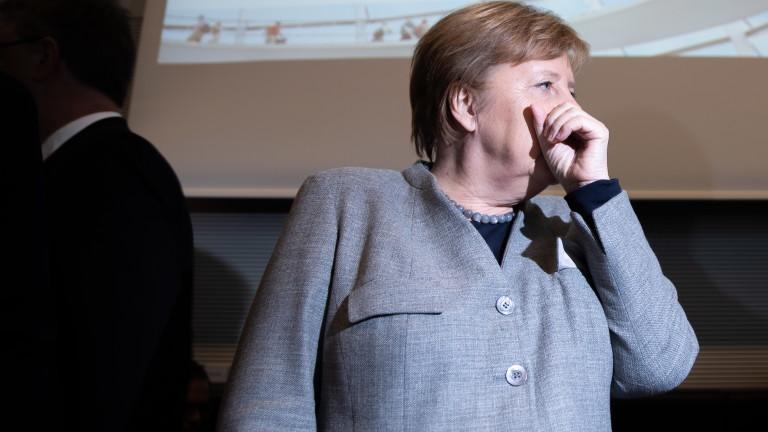 Меркел пред Хафтар: Няма военно решение на конфликта в Либия