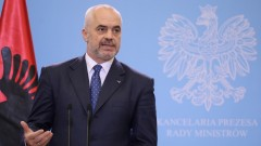 Албанският премиер допуска Косово и Албания да имат един президент