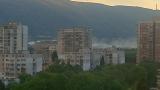 Запалени сухи треви горяха на Околовръстното в София