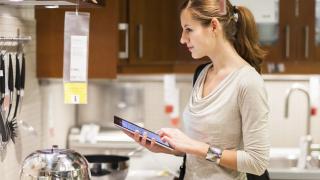 НСИ: Потребителското доверие се покачва, очакванията за икономиката се влошават