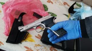 Наркотици и боеприпаси са иззети от 2 имота по време на акция в Търново