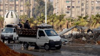 """Евакуират бежанци от Ярмук в Дамаск, """"Фронтът ал Нусра"""" обяви неутралитет"""