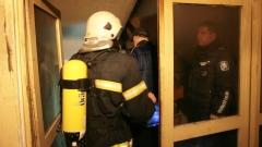 Пожар в Бургас прати мъж в болница