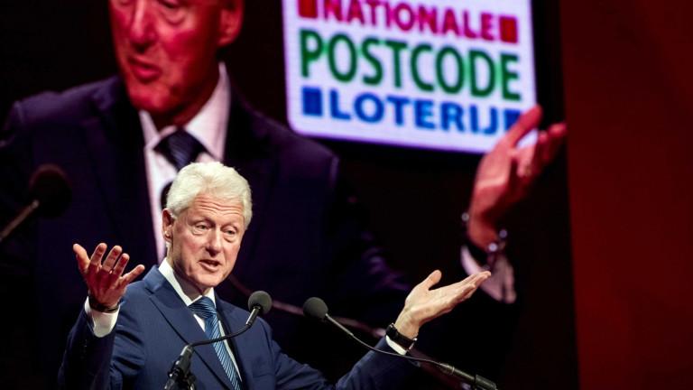 САЩ и Великобритания са изправени пред криза на идентичността, предупреди Бил Клинтън