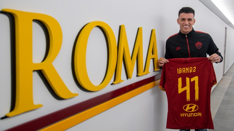 Рома официално се подсили със защитника Роджър Ибанес от Аталанта.