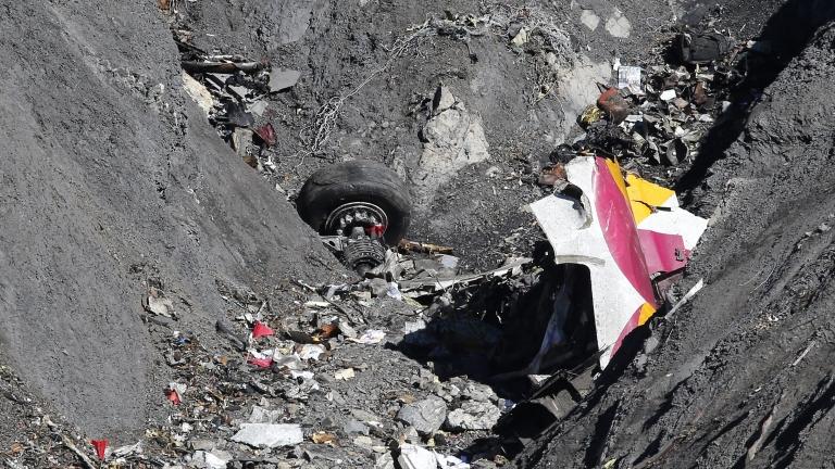 Четирима загинаха при сблъсък на два самолета в Австралия