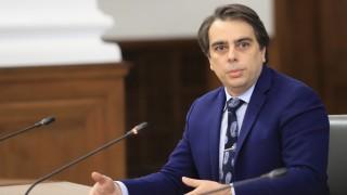 Асен Василев призова да имаме готовност за поне едно частично затваряне
