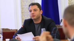 Делян Добрев пита за оставката на Елена Йончева