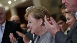 Меркел обсъжда с Щайнмайер какво очаква Германия