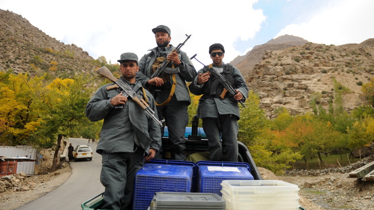 Афганистан провежда парламентарни избори на фона на насилие. През октомври