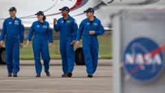 SpaceX готова да транспортира четирима астронавти до МКС