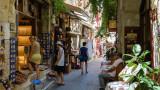 Търсенето в Гърция за лятото е толкова голямо, че хотелите нямат достатъчно места за туристите