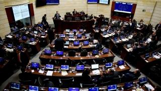 Сенатът на Колумбия одобри новото мирно споразумение с ФАРК