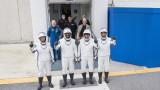 SpaceX изпрати първите си астронавти в Космоса