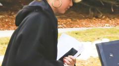 Дженифър Лоурънс с коса като кошница (СНИМКИ)