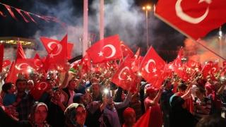 """Турция назначава 20 хил. учители след масовата """"чистка"""""""