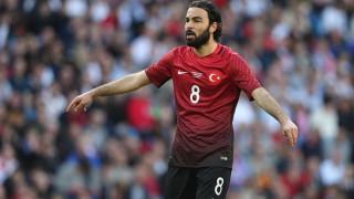 Турският футболист, който иска да спре новите смартфони на Samsung