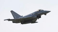 Британски изтребители прехванаха руски шпионски самолети край Шотландия