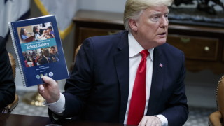 Фондацията на Тръмп спира работа заради злоупотреби