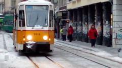 С трамваи по Графа от днес