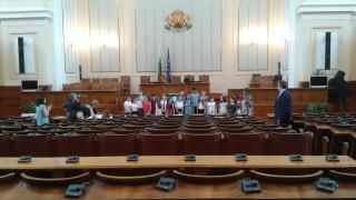 Депутатите от ВМРО са с отрицателни проби за COVID-19