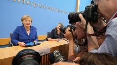 Меркел категорично отхвърли призивите за преразглеждане на приема на бежанци