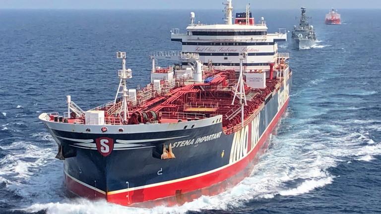 Грък запалил петролен танкер в опит за измама за $77 милиона